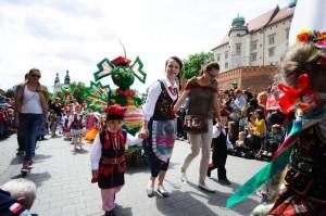 Tygryski podczas Parady Smoków w Krakowie